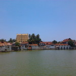 800px-Shree_Padmanabhaswamy_temple_and_the_Temple_Tank